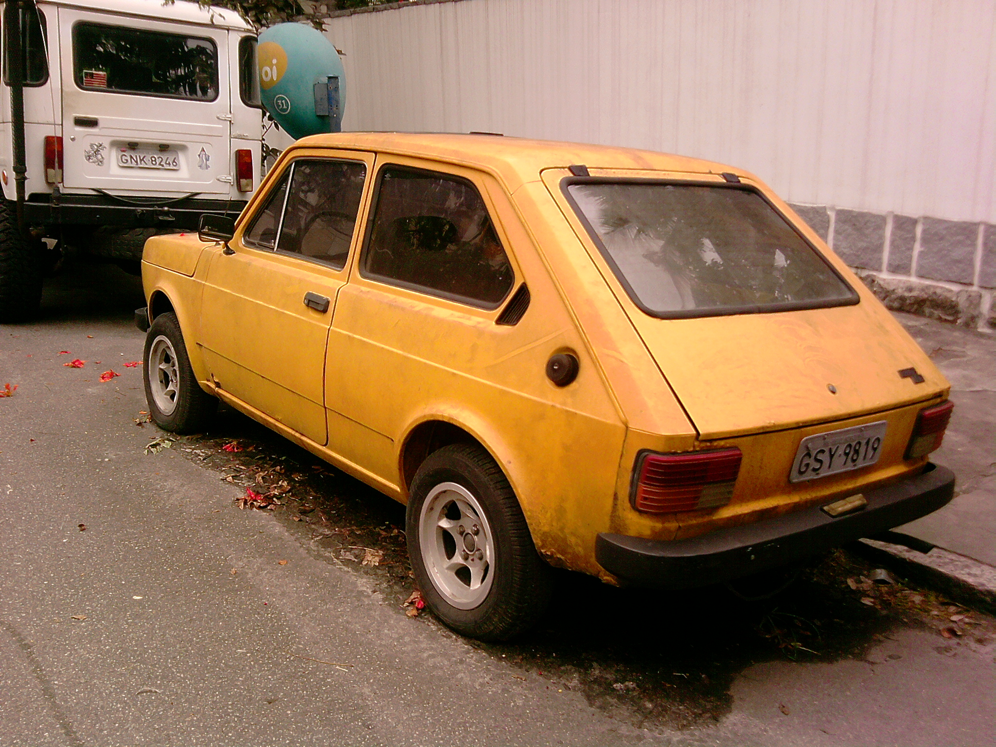 Fiat 147 Carros Inuteis