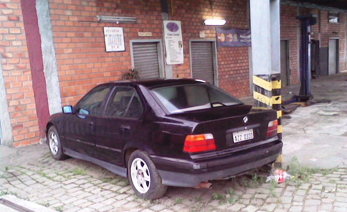 kiko-bmw_abandonada_1 BMW 325i