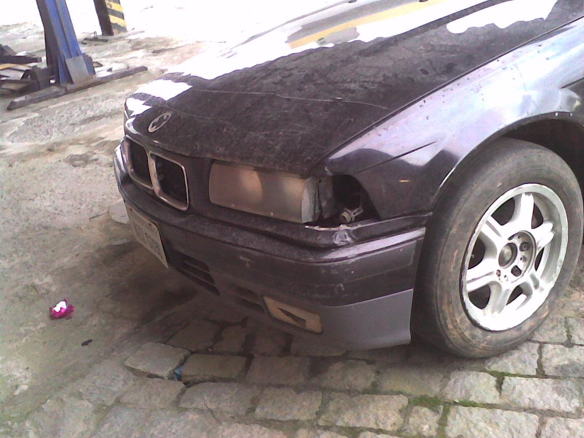 kiko-bmw_abandonada_2 BMW 325i