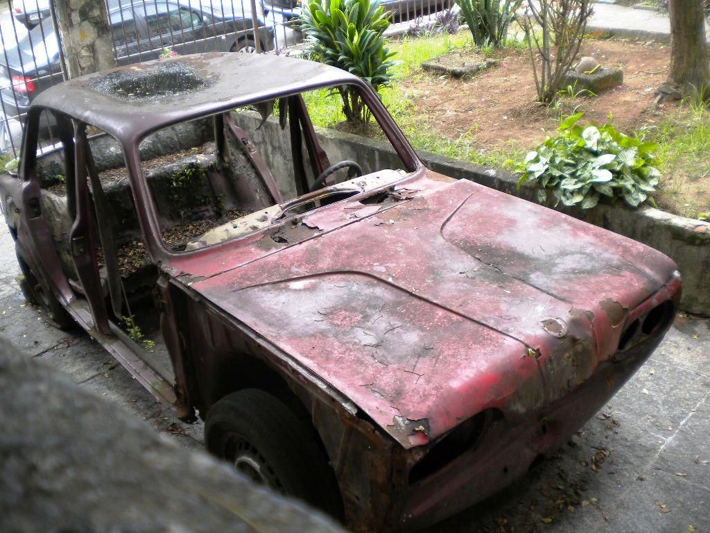 felipe-nicolielo-vw-1600-rua-ao-lado-da-rua-volkswagen-no-jabaquara-em-sp VW 1600