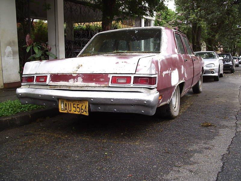 88 Dodge Dart Sedan de Luxo 1979