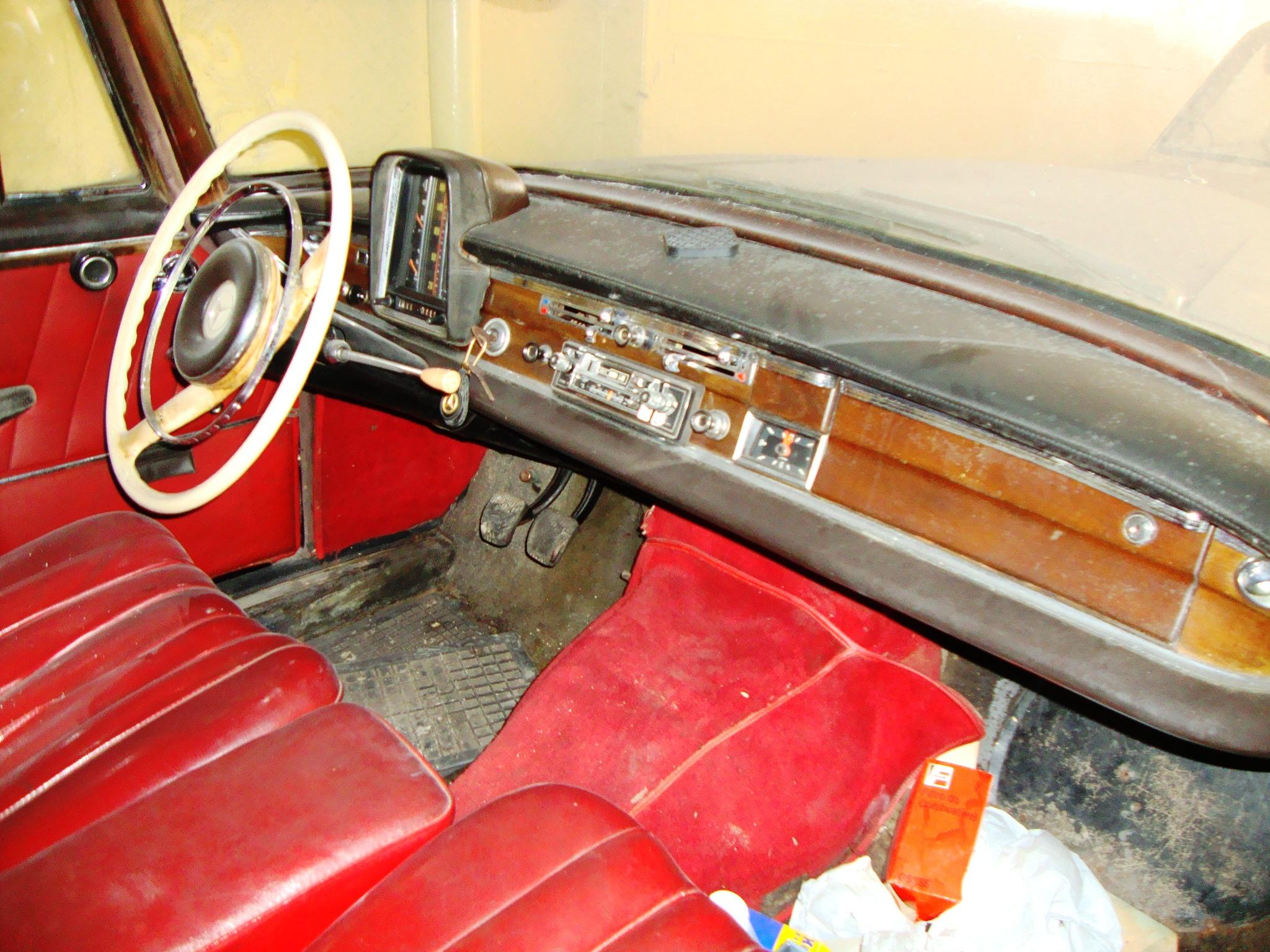 mktpoameca5 Mercedes-Benz 220s