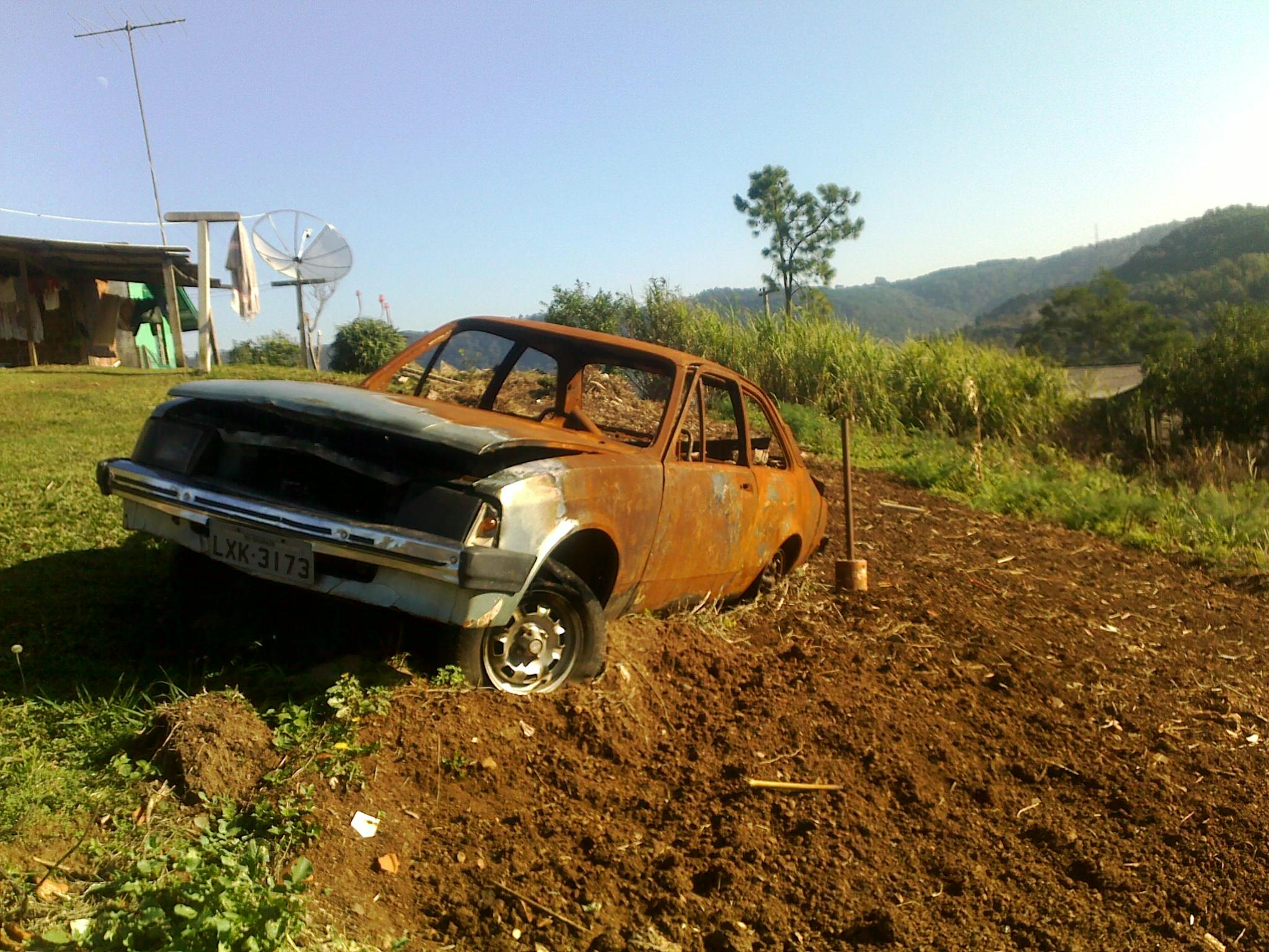 ugenaro_chevette_incendiado_gramado Chevrolet Chevette