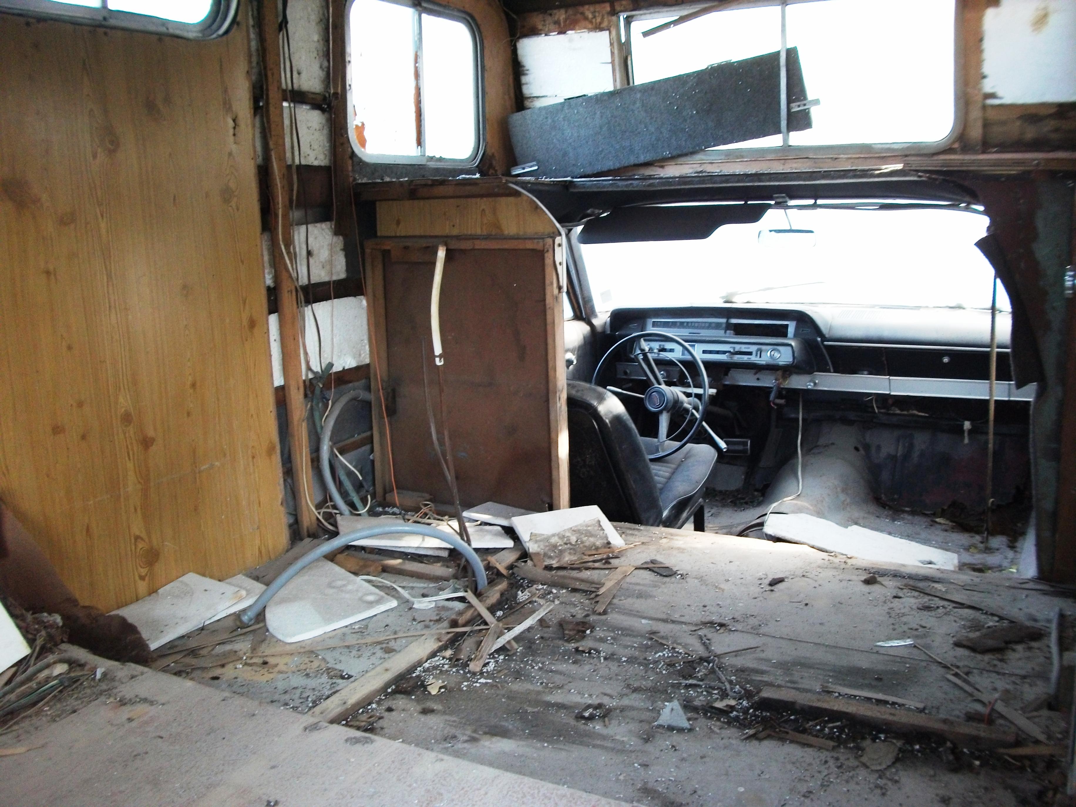 ulandau_trailer_6_sibele Ford Galaxie