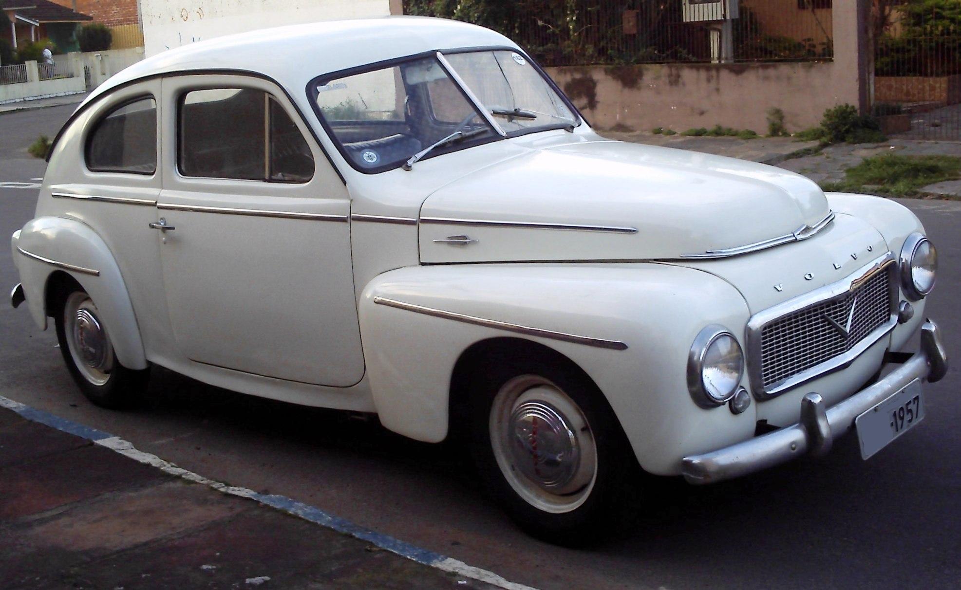 100-0008 Volvo PV444