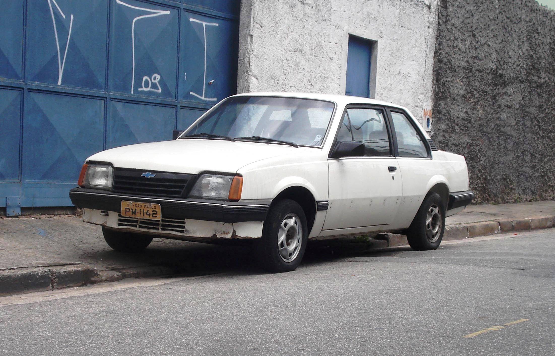 uezio_monza-plc-am_spaulo_sp Chevrolet Monza