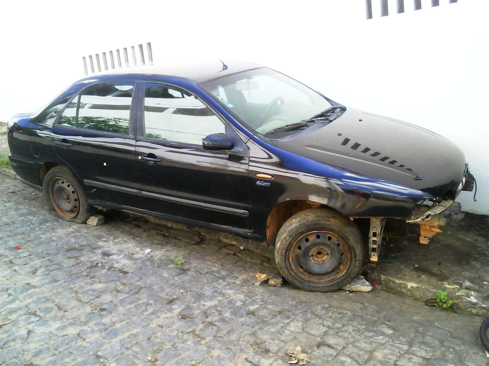 2e00a74d3f6ef Fiat Marea -- Carros Inúteis