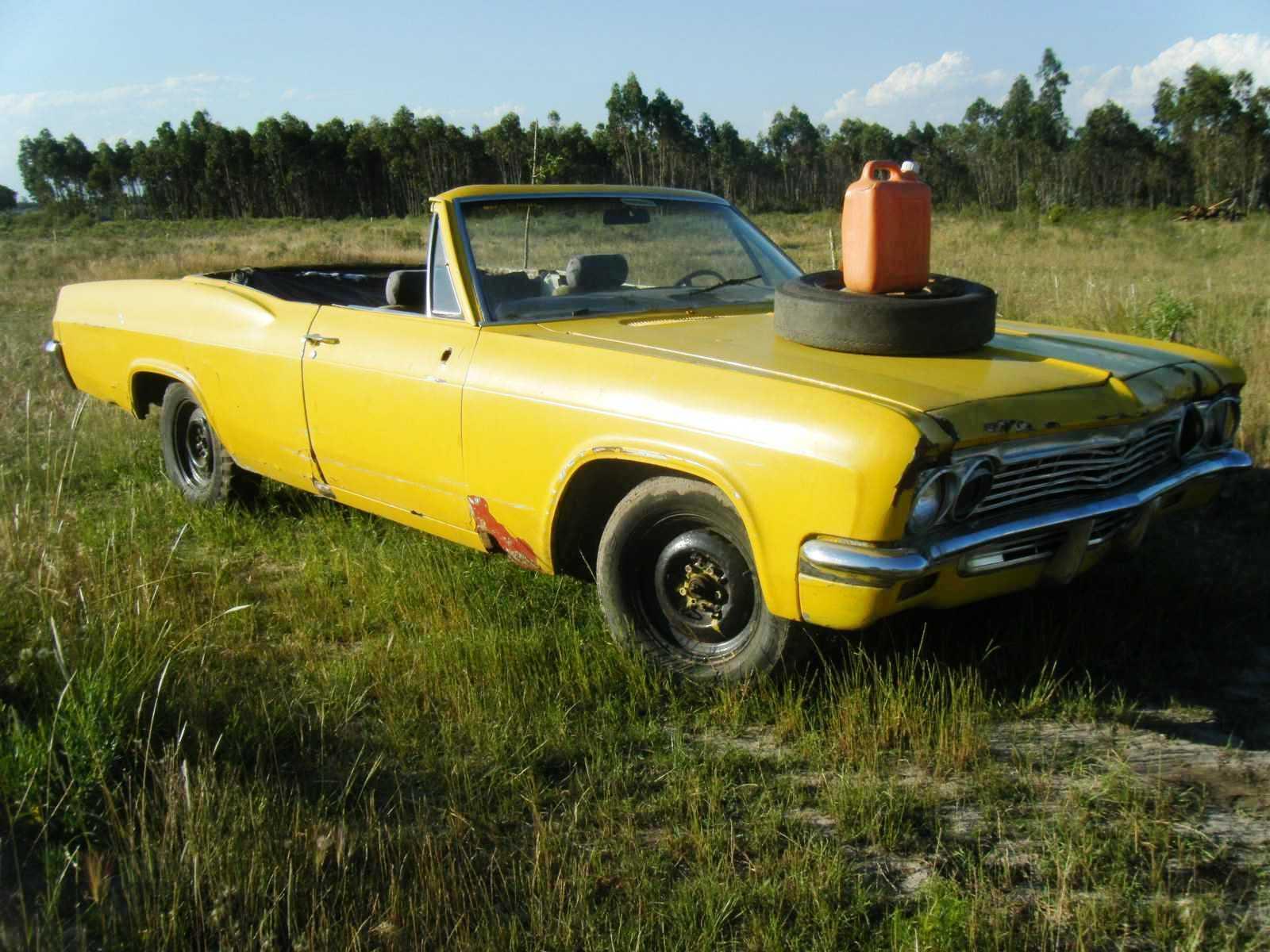 upablo-chevrolet-1966 Chevrolet Impala (1966 - convertible)